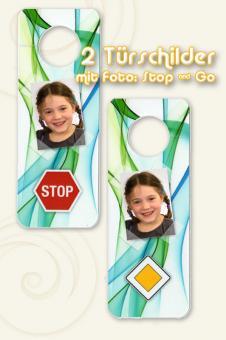 Zwei Türschilder Stop & Go